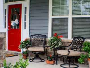 50 Christmas Front Porch Decor Ideas And Makeover (41)