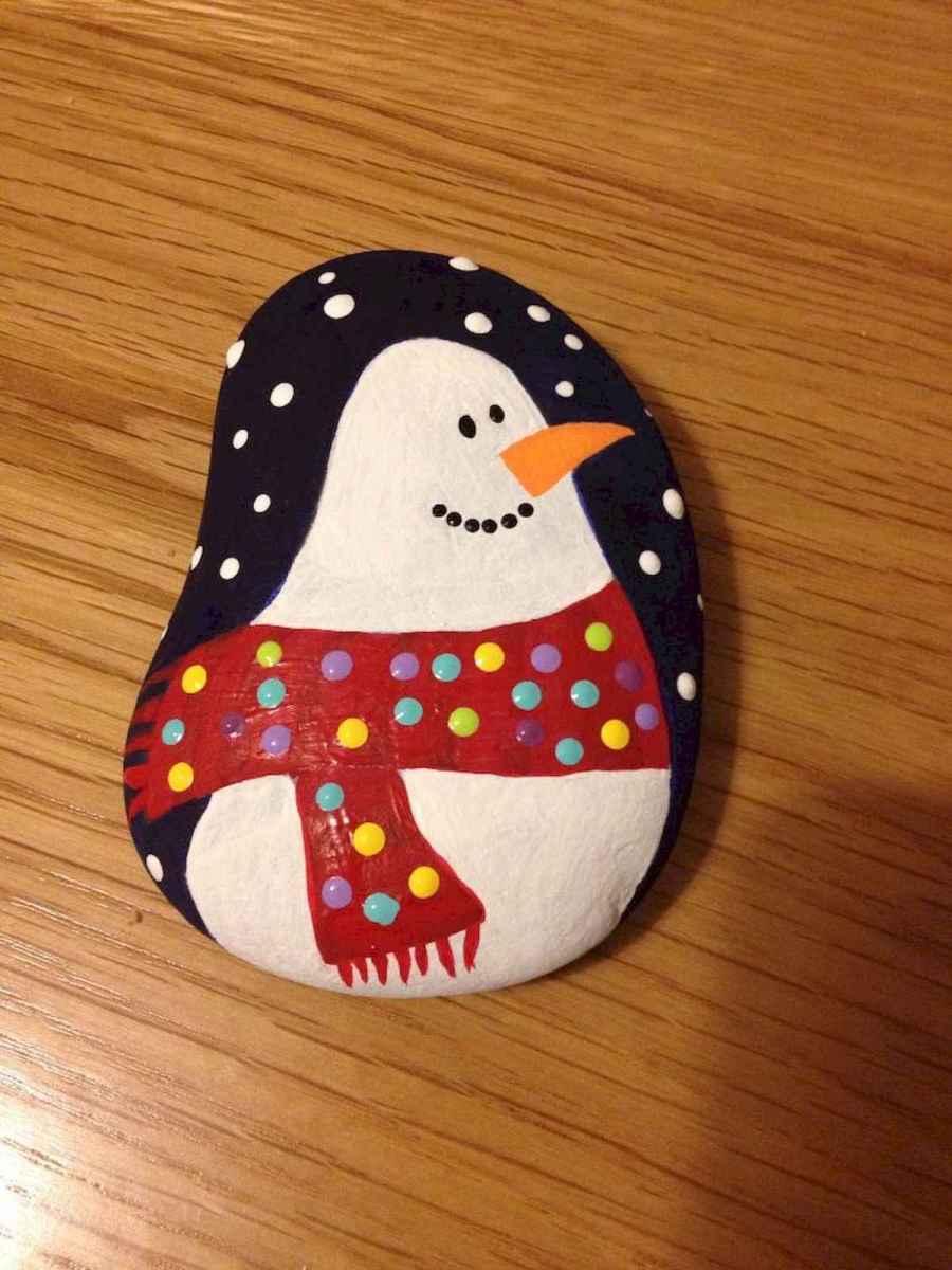 50 Easy DIY Christmas Painted Rock Design Ideas (31)