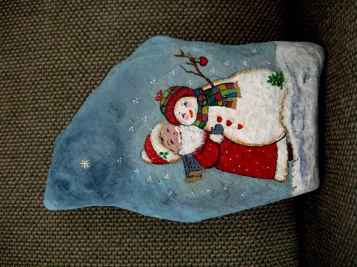 50 Easy DIY Christmas Painted Rock Design Ideas (50)