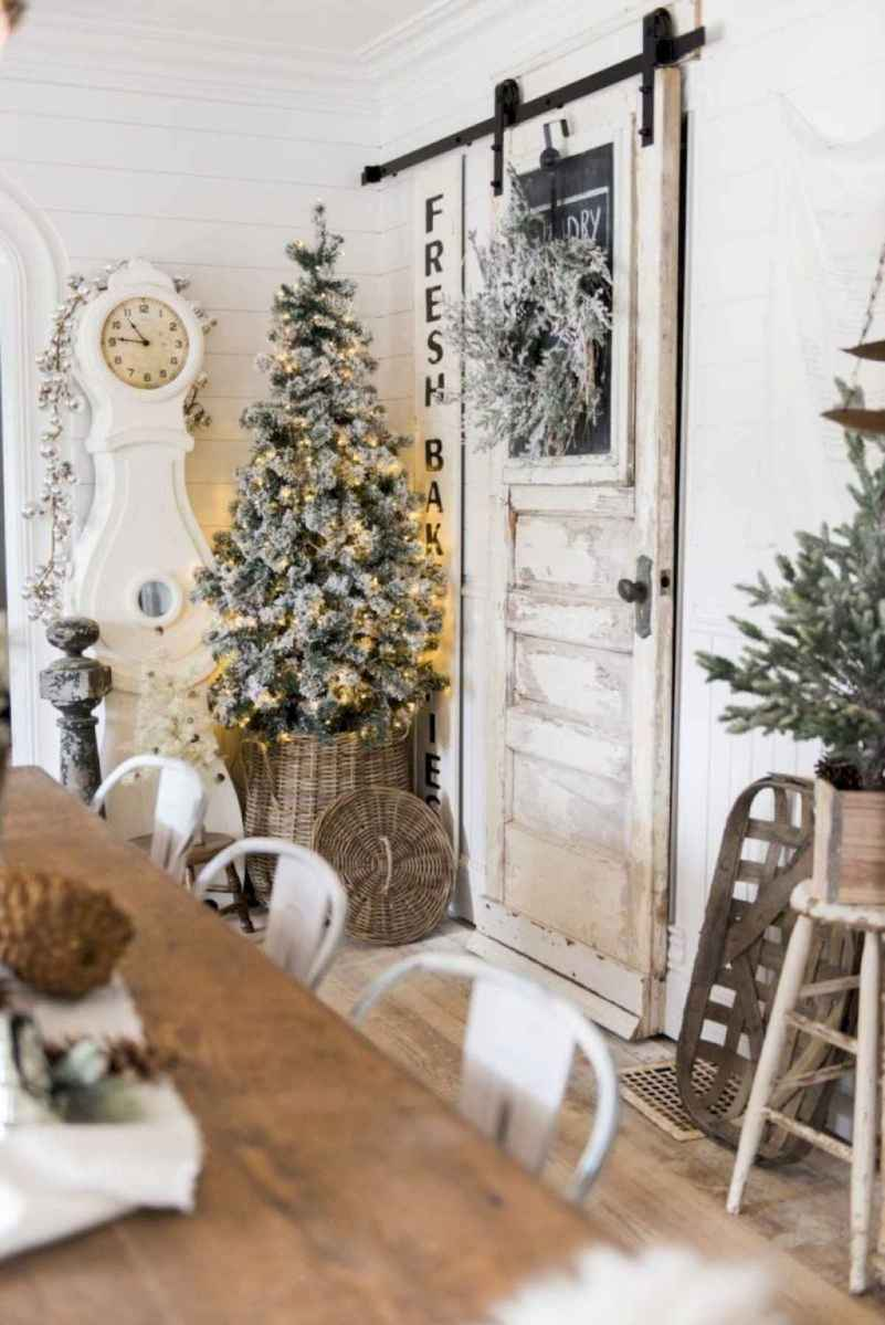 60 Best Farmhouse Christmas Decorating Ideas And Makeover (21)