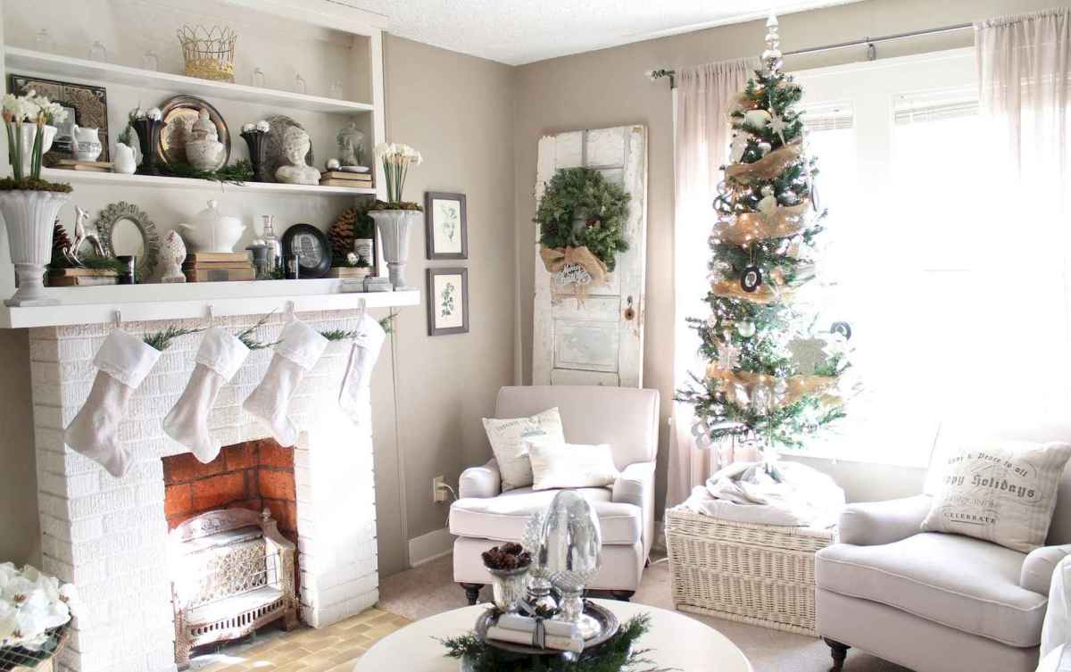 60 Best Farmhouse Christmas Decorating Ideas And Makeover (9)