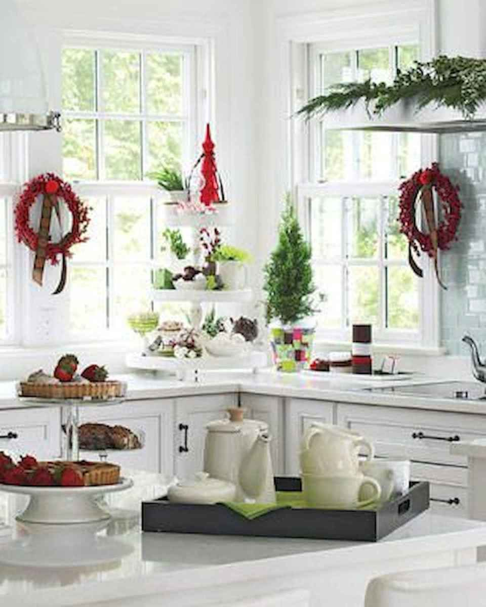 20 Elegant Christmas Kitchen Decor Ideas And Makeover (13)
