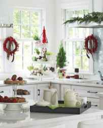 20 Elegant Christmas Kitchen Decor Ideas And Makeover (13)