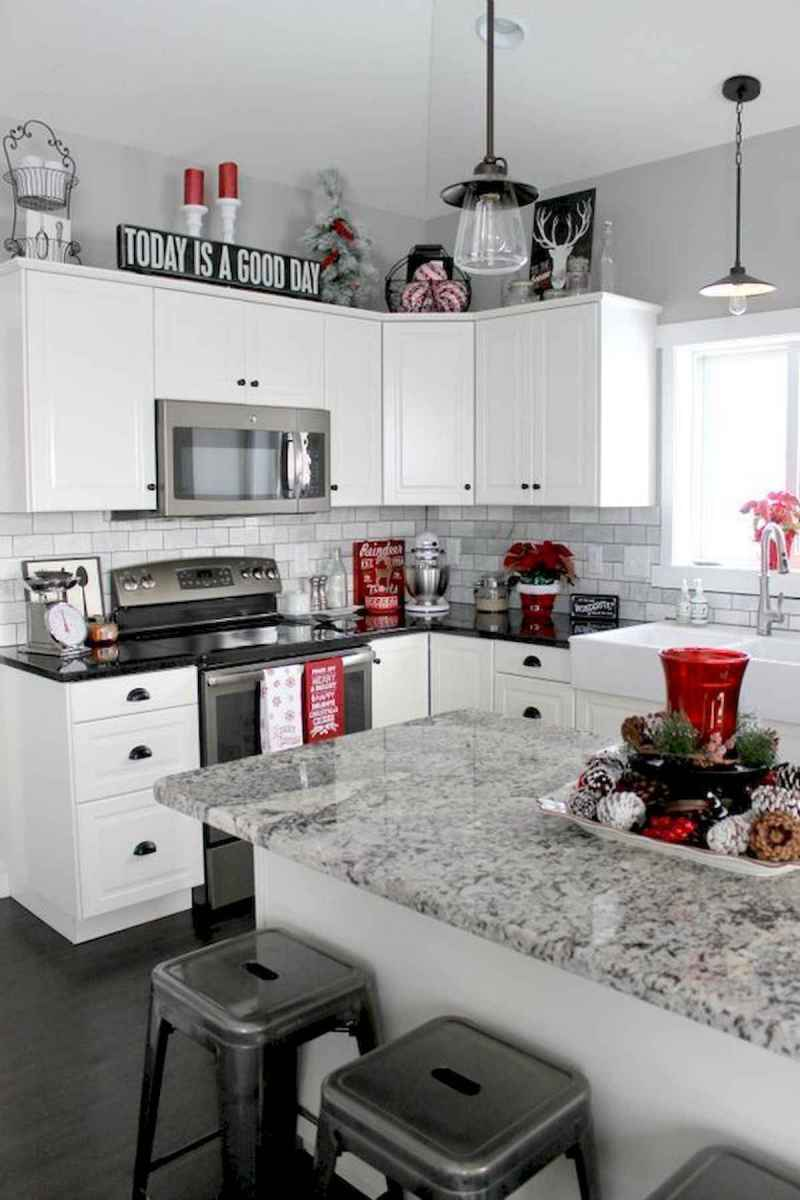 20 Elegant Christmas Kitchen Decor Ideas And Makeover (2)