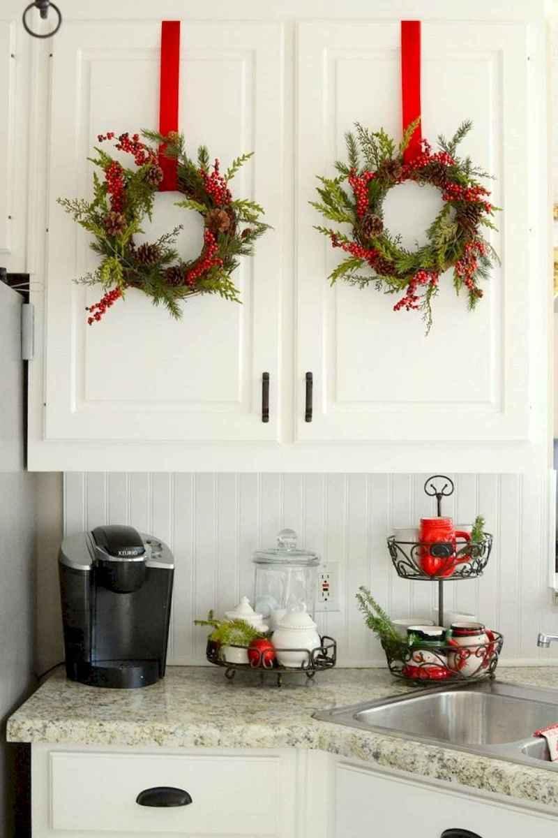 20 Elegant Christmas Kitchen Decor Ideas And Makeover (4)
