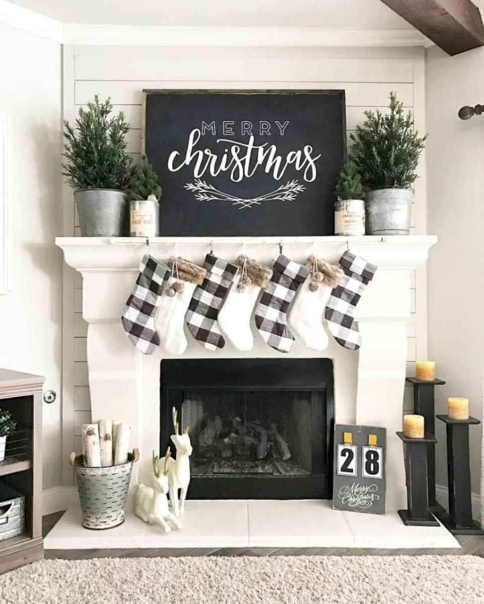 60 Awesome Farmhouse Christmas Decorating Ideas And Makeover (11)