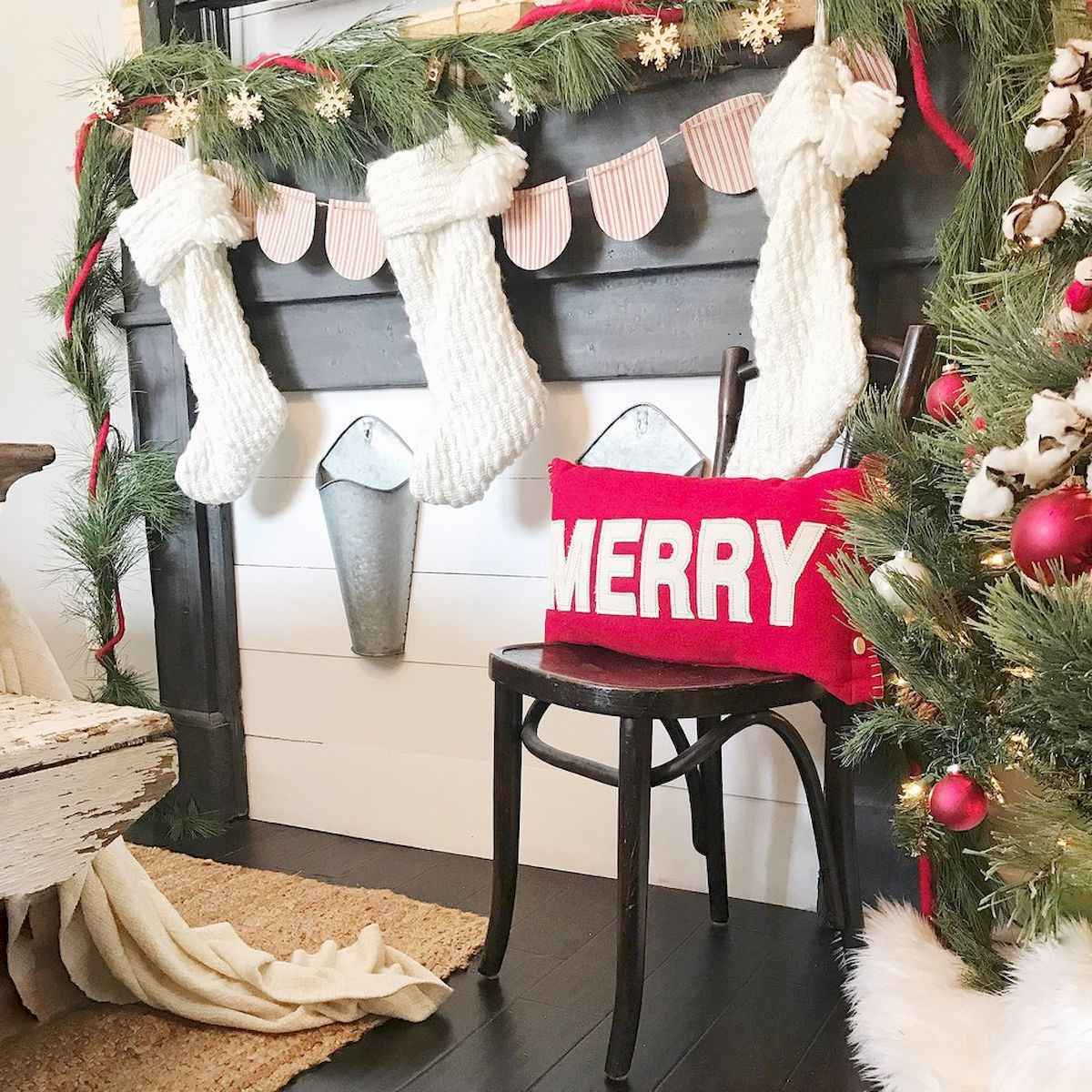 60 Awesome Farmhouse Christmas Decorating Ideas And Makeover (22)