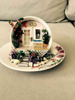 40 Easy DIY Teacup Mini Garden Ideas to Add Bliss to Your Home (32)