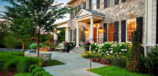 40 Inspiring Front Yard Landscaping Ideas (14)