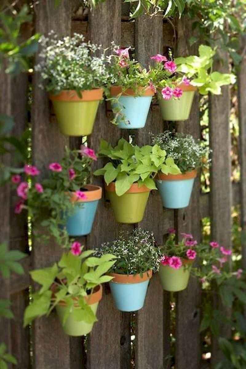 40 Unique Garden Fence Decoration Ideas (15)
