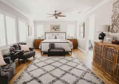 25 Best Bedroom Rug Ideas And Design (2)
