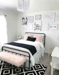 25 Best Bedroom Rug Ideas And Design (7)
