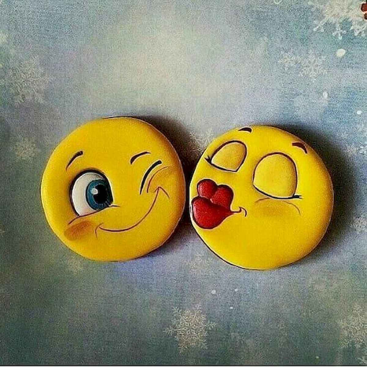 25 Gorgeous Painted Rocks Valentines Day Ideas (23)