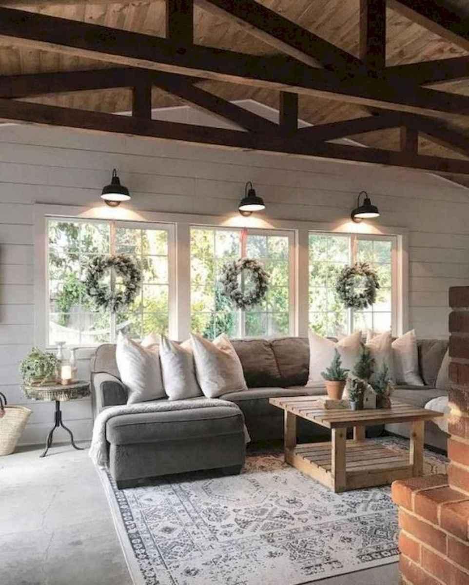 33 Farmhouse Living Room Flooring Ideas (11)