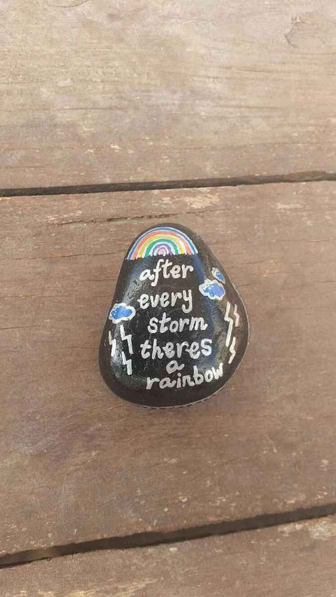 35 Awesome Painted Rocks Quotes Design Ideas (12)