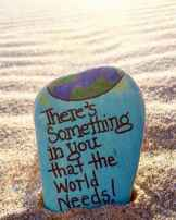 35 Awesome Painted Rocks Quotes Design Ideas (22)