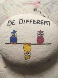 35 Awesome Painted Rocks Quotes Design Ideas (5)
