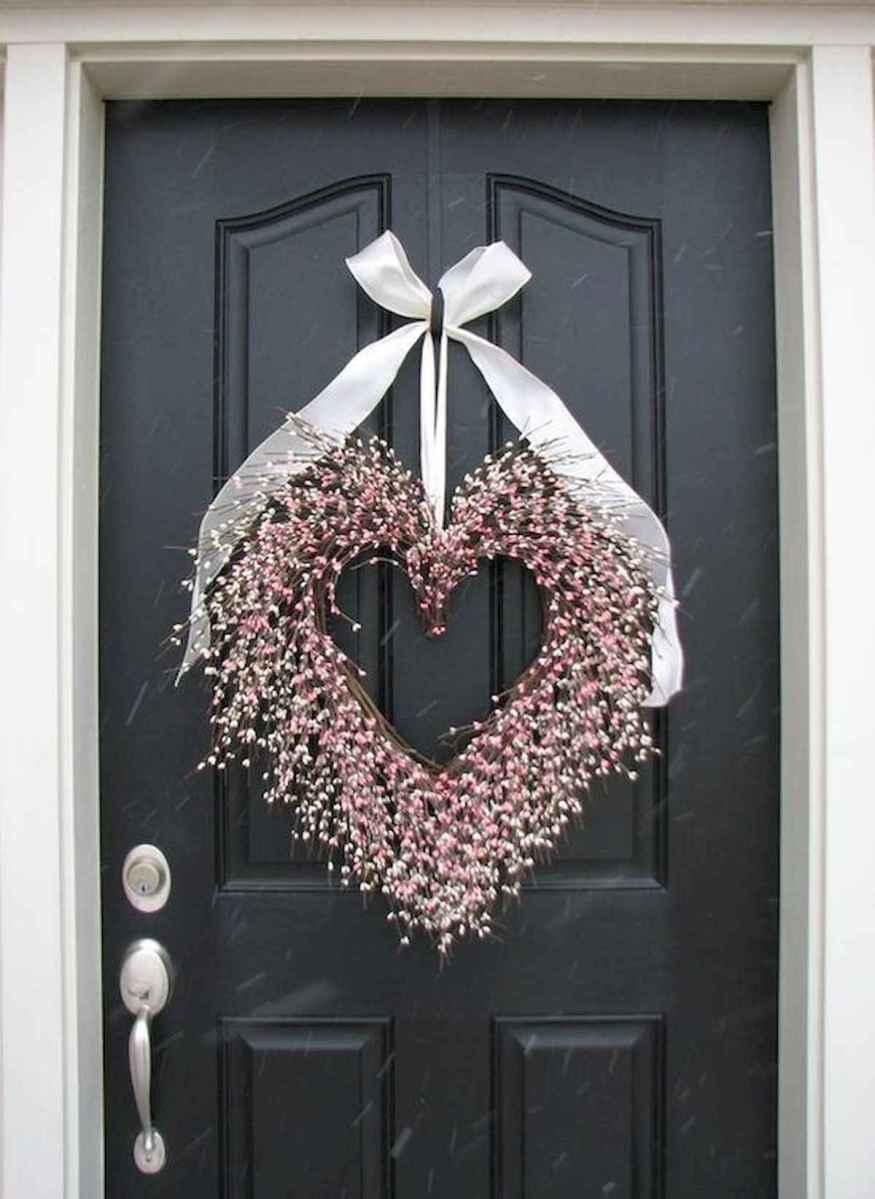 25 Easy DIY Valentines Wreath Ideas (30)