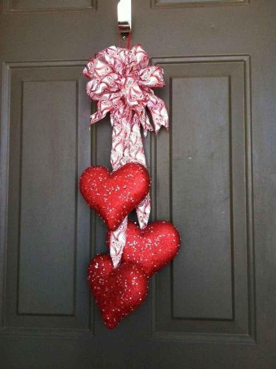 25 Easy DIY Valentines Wreath Ideas (33)