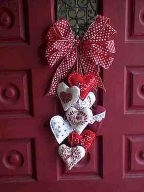25 Easy DIY Valentines Wreath Ideas (36)