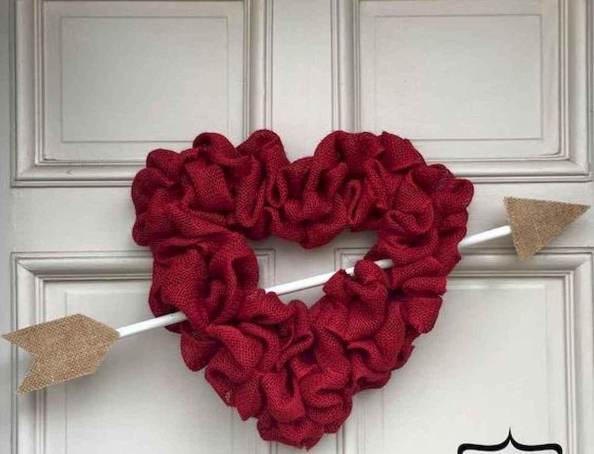 25 Easy DIY Valentines Wreath Ideas (38)
