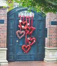 25 Easy DIY Valentines Wreath Ideas (41)