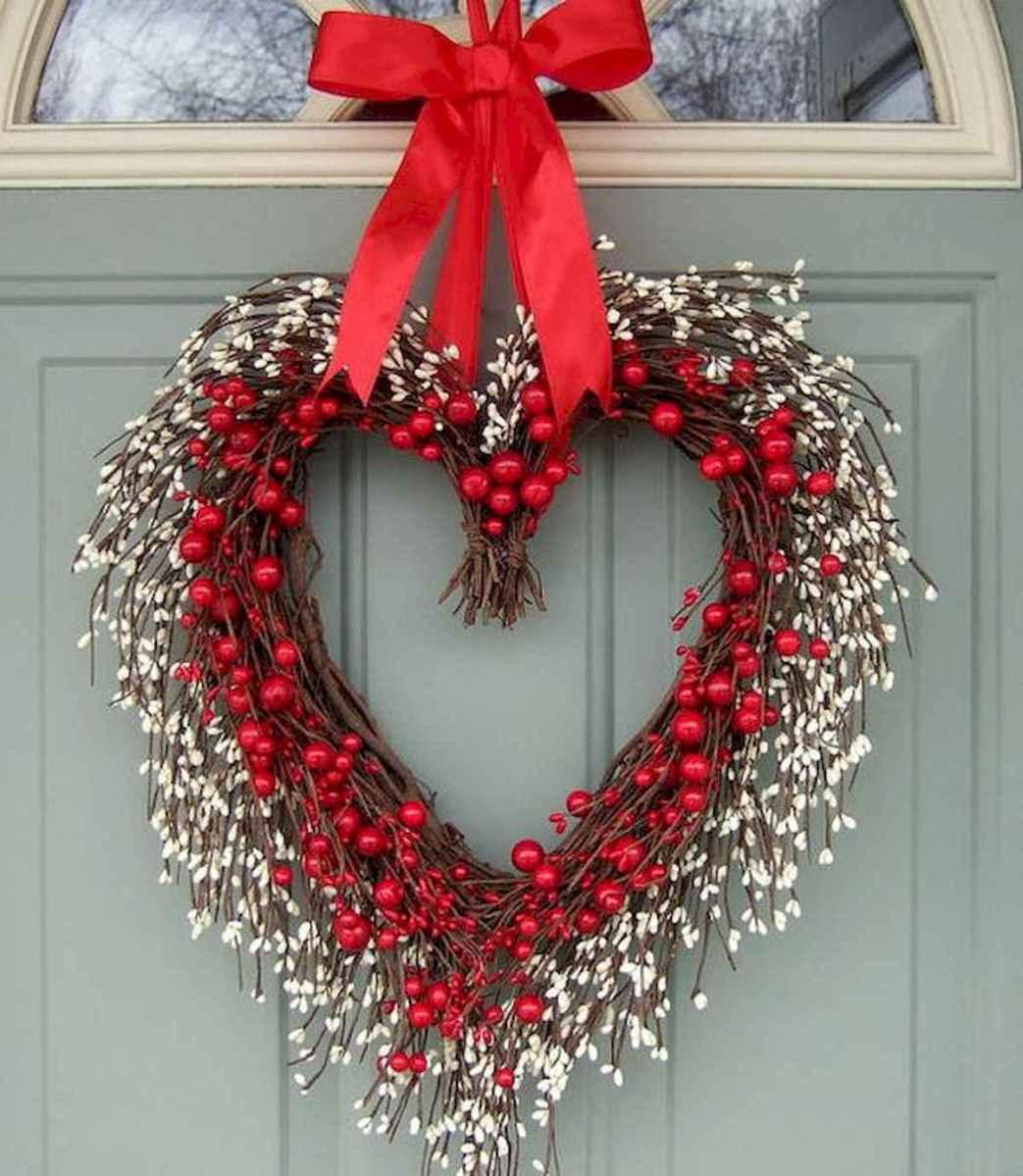 25 Easy DIY Valentines Wreath Ideas (45)