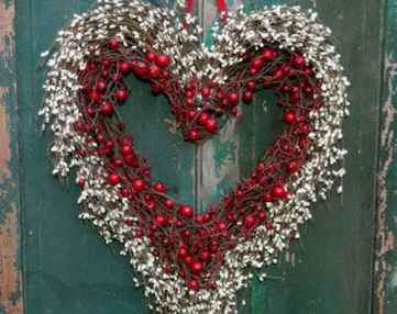 25 Easy DIY Valentines Wreath Ideas (47)