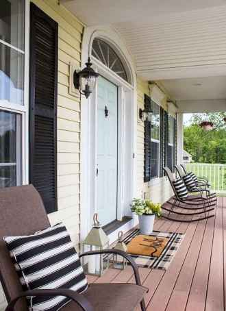40 Awesome Farmhouse Porch Design Ideas And Decorations (23)