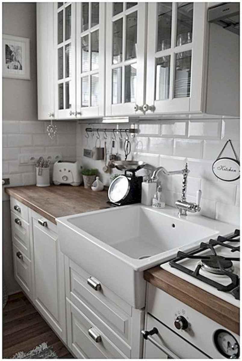 50 Best White Kitchen Design Ideas To Inspiring Your Kitchen (27)