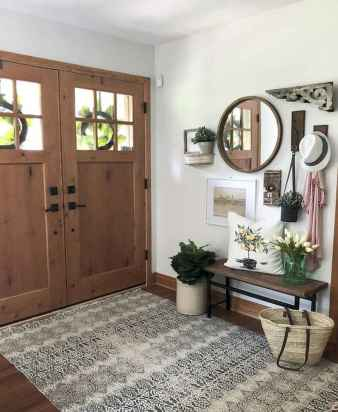 50 Stunning Farmhouse Entryway Design Ideas You Must Try In 2019 (39)