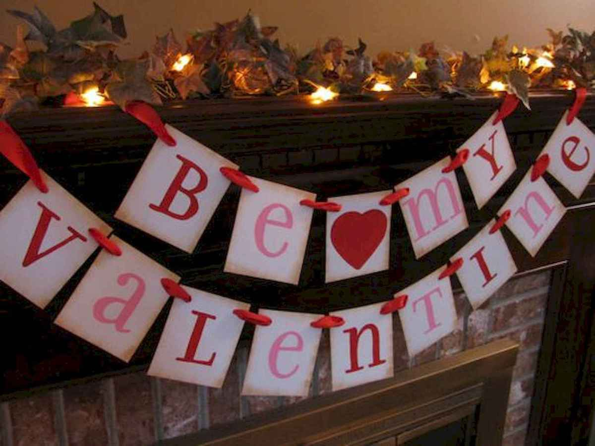 50 Romantic Valentines Day Decor Ideas (34)