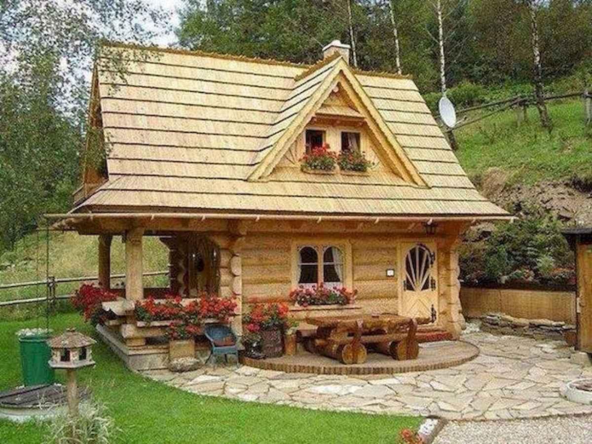 70 Fantastic Small Log Cabin Homes Design Ideas (9)