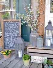 50 Beautiful Spring Decorating Ideas for Front Porch (16)