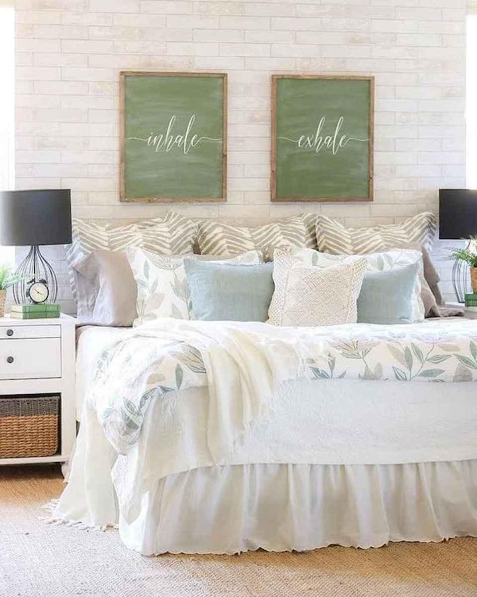 50 Favorite Bedding for Farmhouse Bedroom Design Ideas and Decor (19)