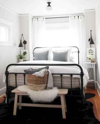 50 Stunning Small Apartment Bedroom Design Ideas and Decor (39)