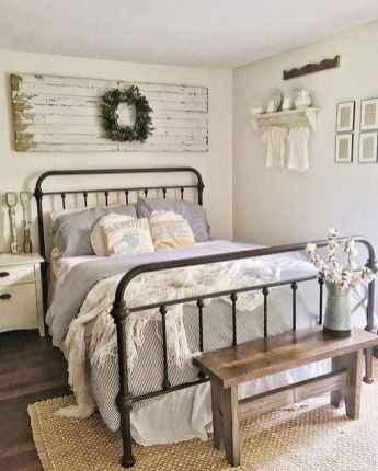 60 Adorable Modern Farmhouse Bedroom Design Ideas and Decor (13)