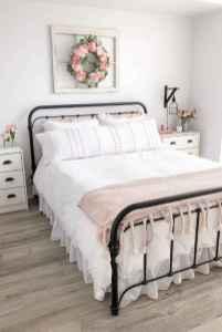60 Adorable Modern Farmhouse Bedroom Design Ideas and Decor (6)