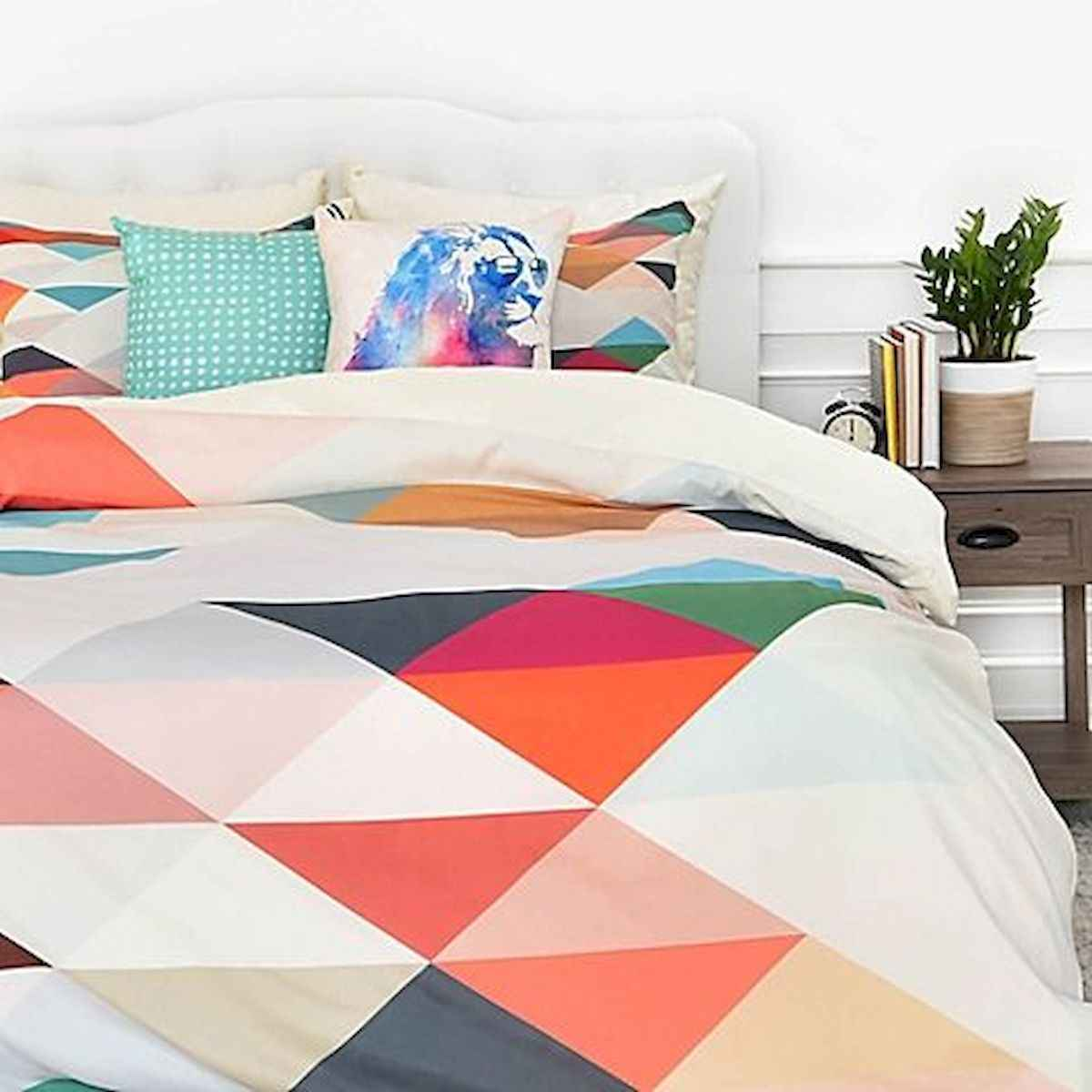 70+ Amazing Colorful Bedroom Decor Ideas And Remodel for Summer Project (10)