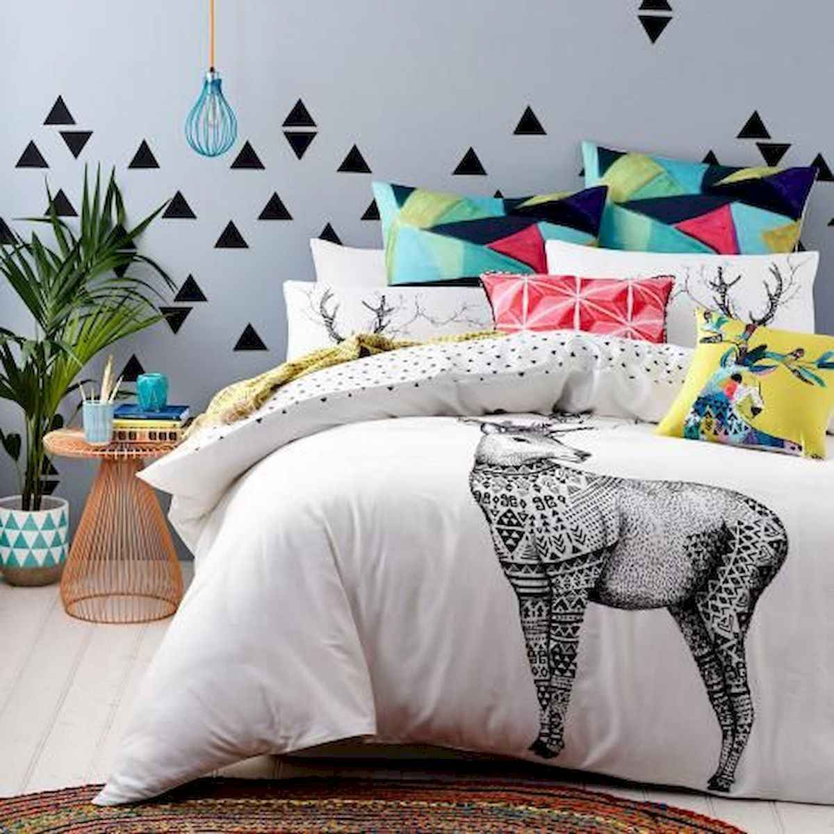 70+ Amazing Colorful Bedroom Decor Ideas And Remodel for Summer Project (54)