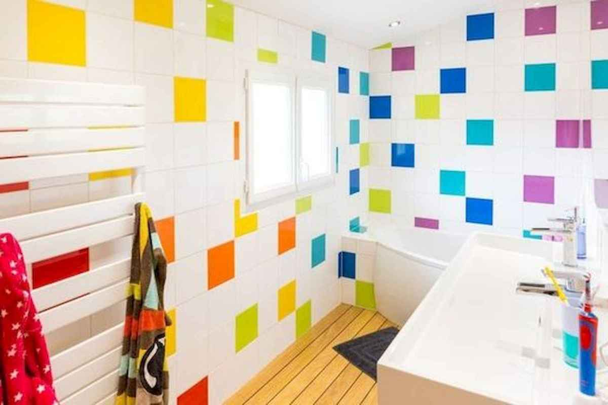 70+ Cool Colorful Bathroom Decor Ideas And Remodel for Summer Project (43)
