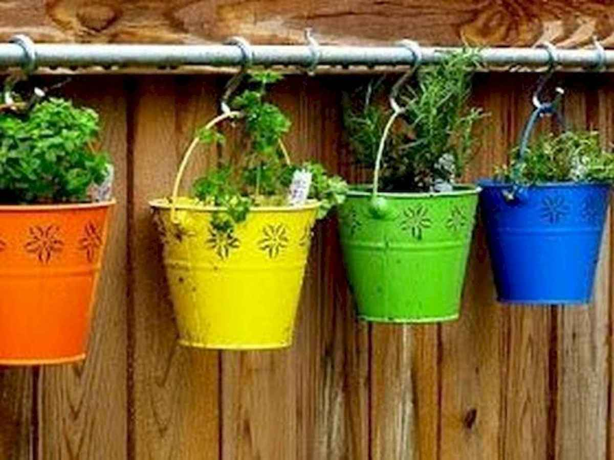 80 Awesome Spring Garden Ideas for Front Yard and Backyard (67)