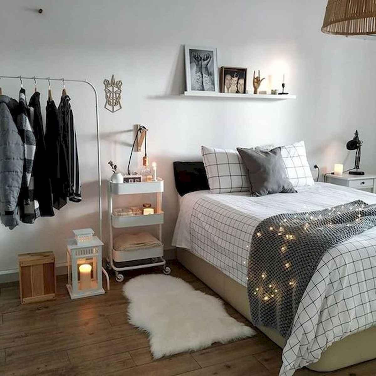 80 Fantastic Small Apartment Bedroom College Design Ideas and Decor (17)