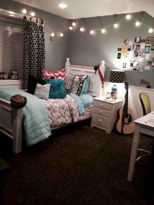 80 Fantastic Small Apartment Bedroom College Design Ideas and Decor (28)