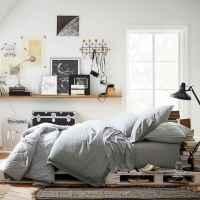 80 Fantastic Small Apartment Bedroom College Design Ideas and Decor (66)