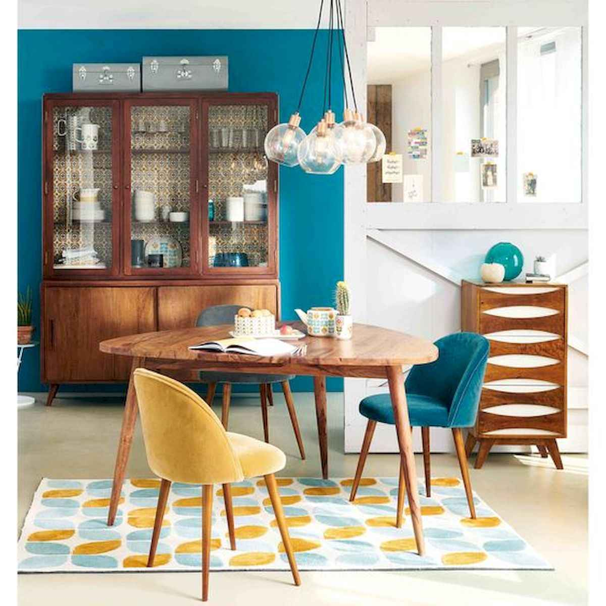 80+ Stunning Colorful Living Room Decor Ideas And Remodel for Summer Project (79)