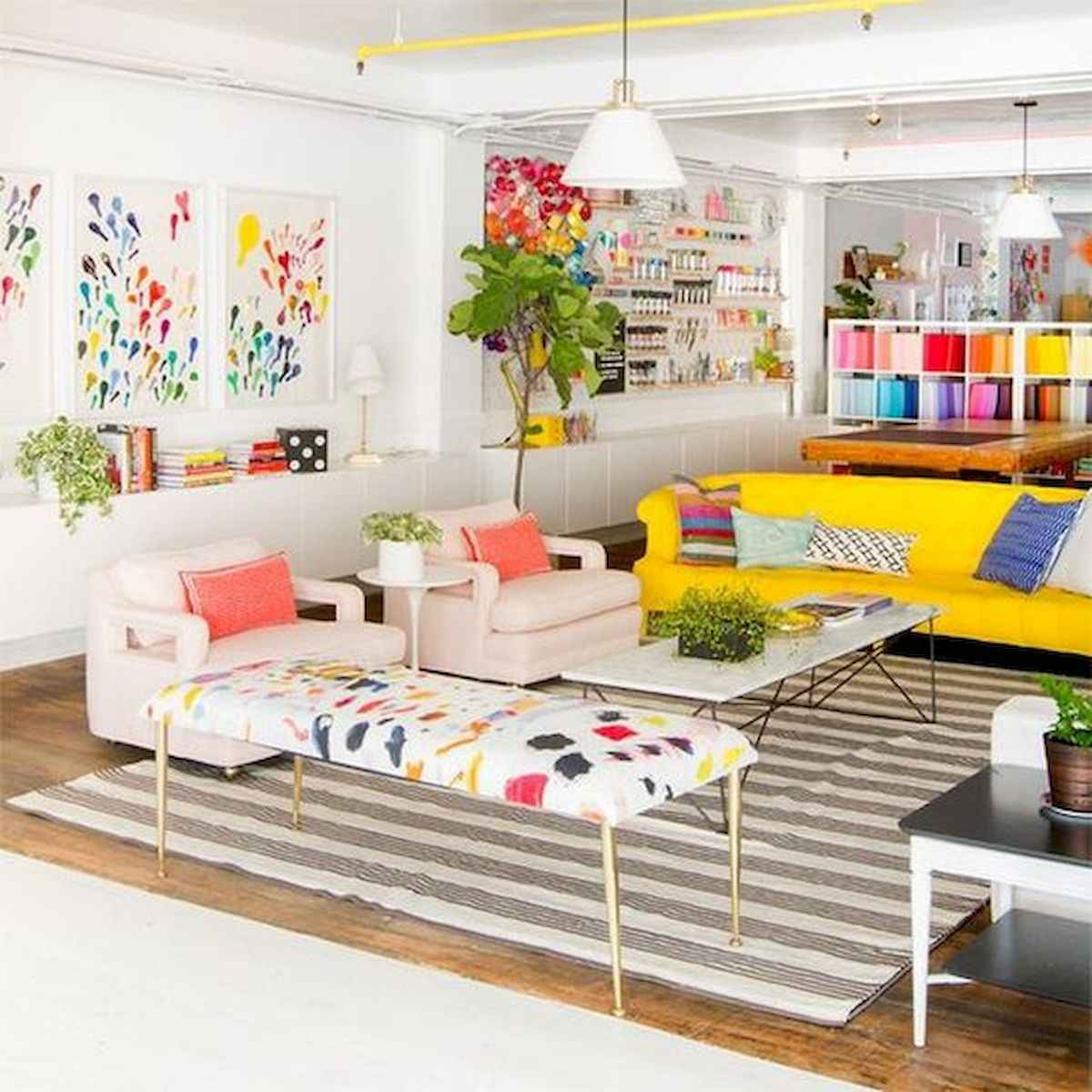 80+ Stunning Colorful Living Room Decor Ideas And Remodel for Summer Project (8)