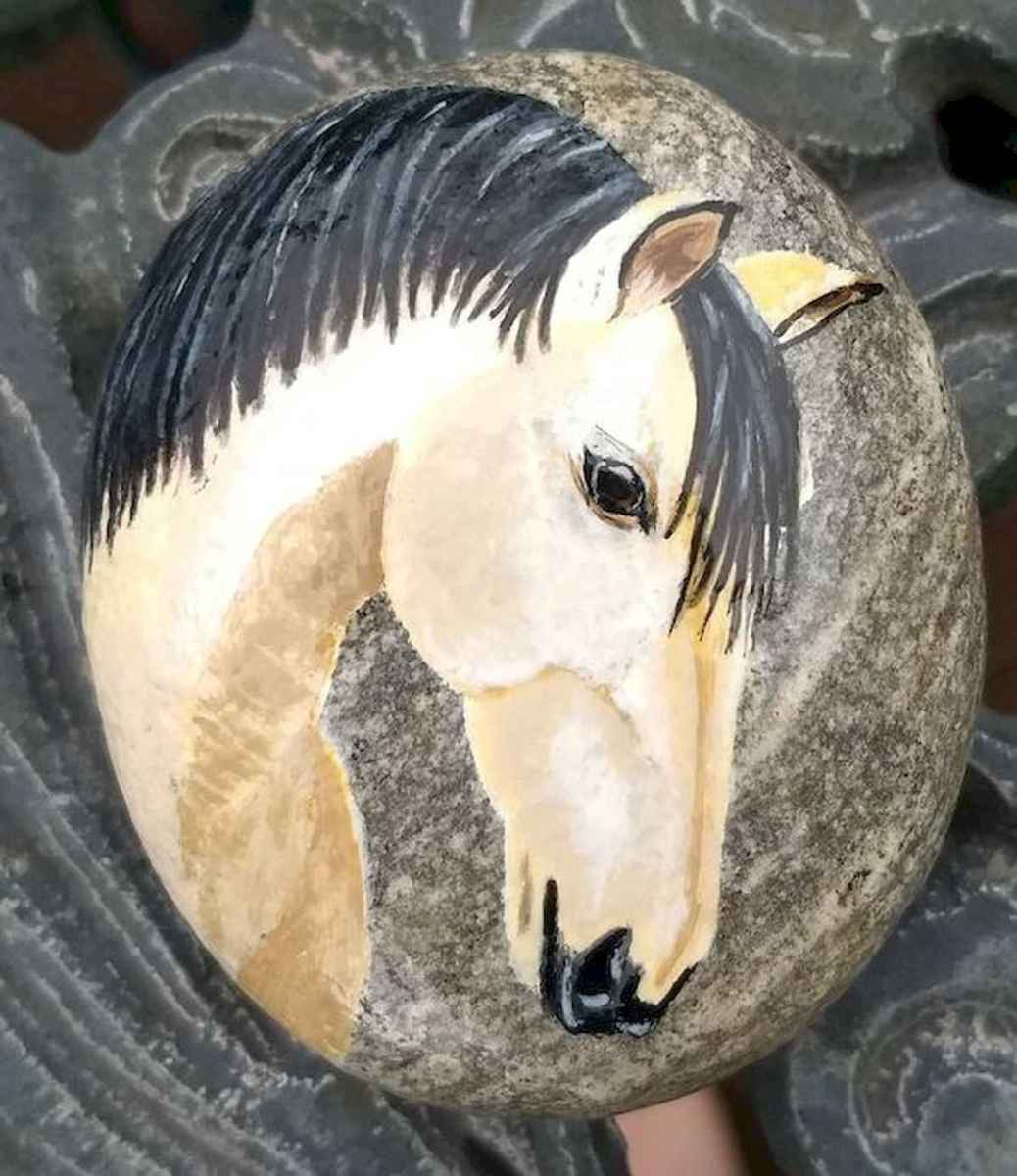 25 Suprising DIY Projects Painted Rocks Animals Horse for Summer Ideas (17)