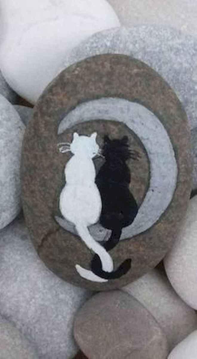 50 Inspiring DIY Painted Rocks Animals Cats for Summer Ideas (29)