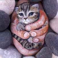 50 Inspiring DIY Painted Rocks Animals Cats for Summer Ideas (35)
